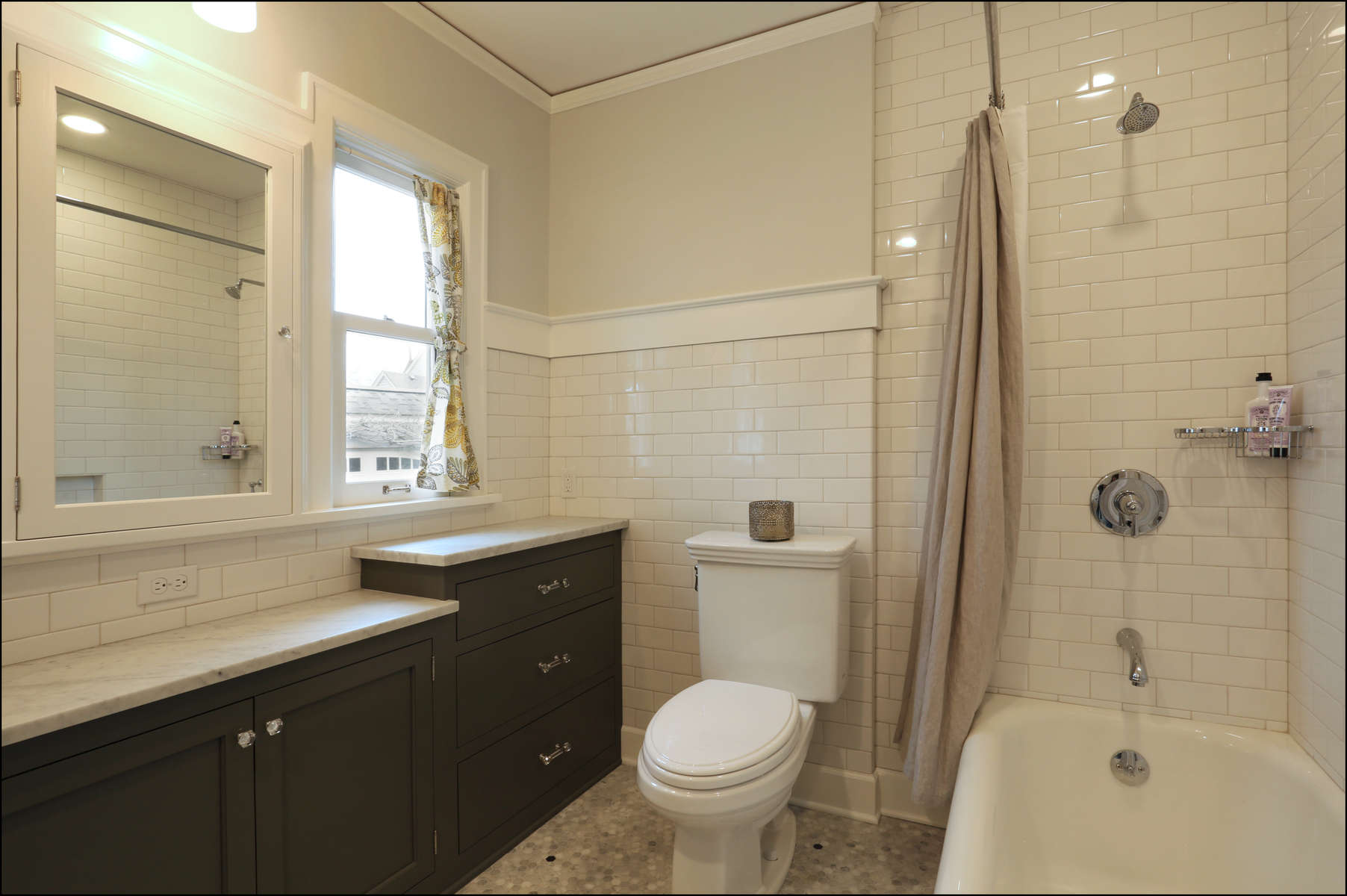 andreahoward-w-1926-bathroom-a-_2_
