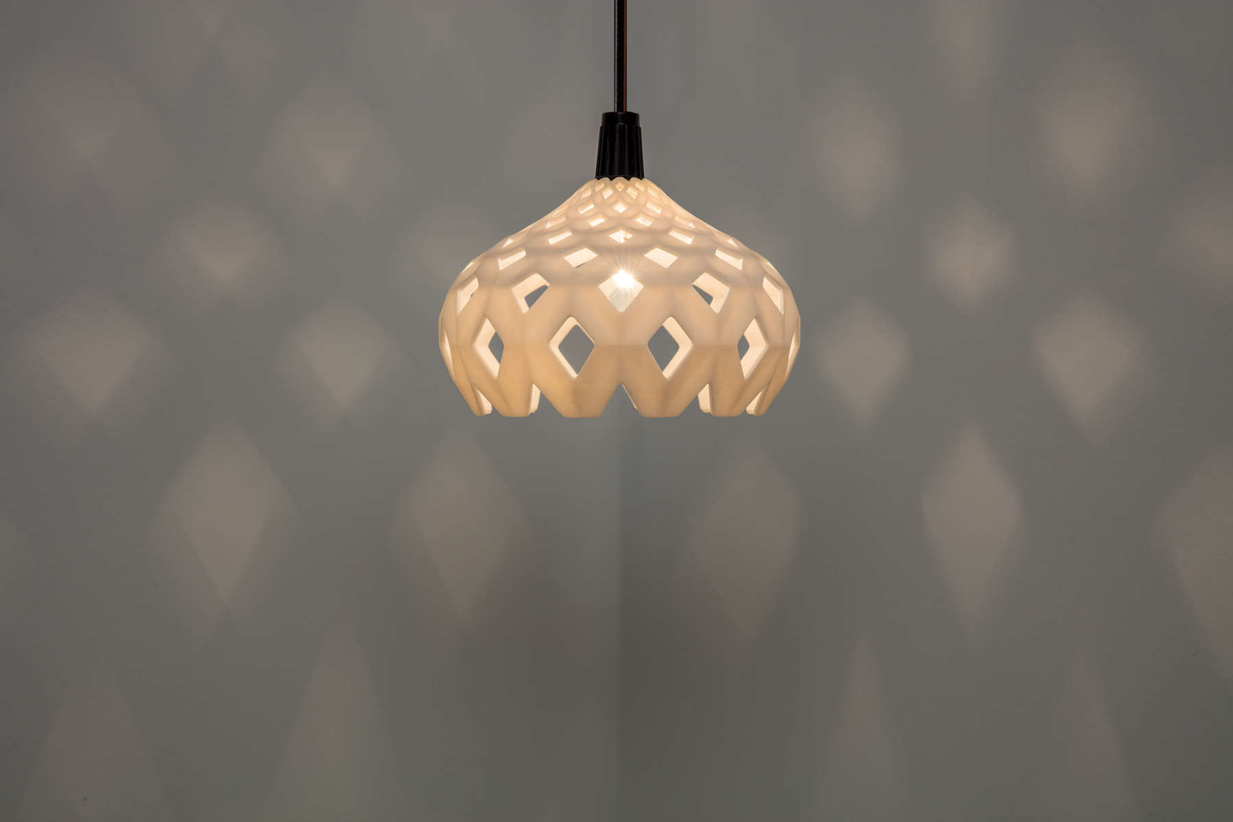 Lampshade-in-Use_Ceramic_D2A6740-2_fnl