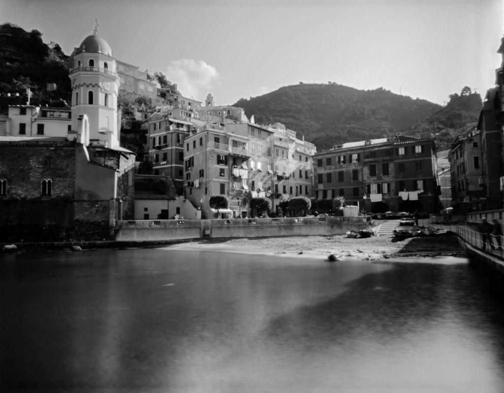 Vernazza harbor in Cinque Terre, Liguria, Italy.