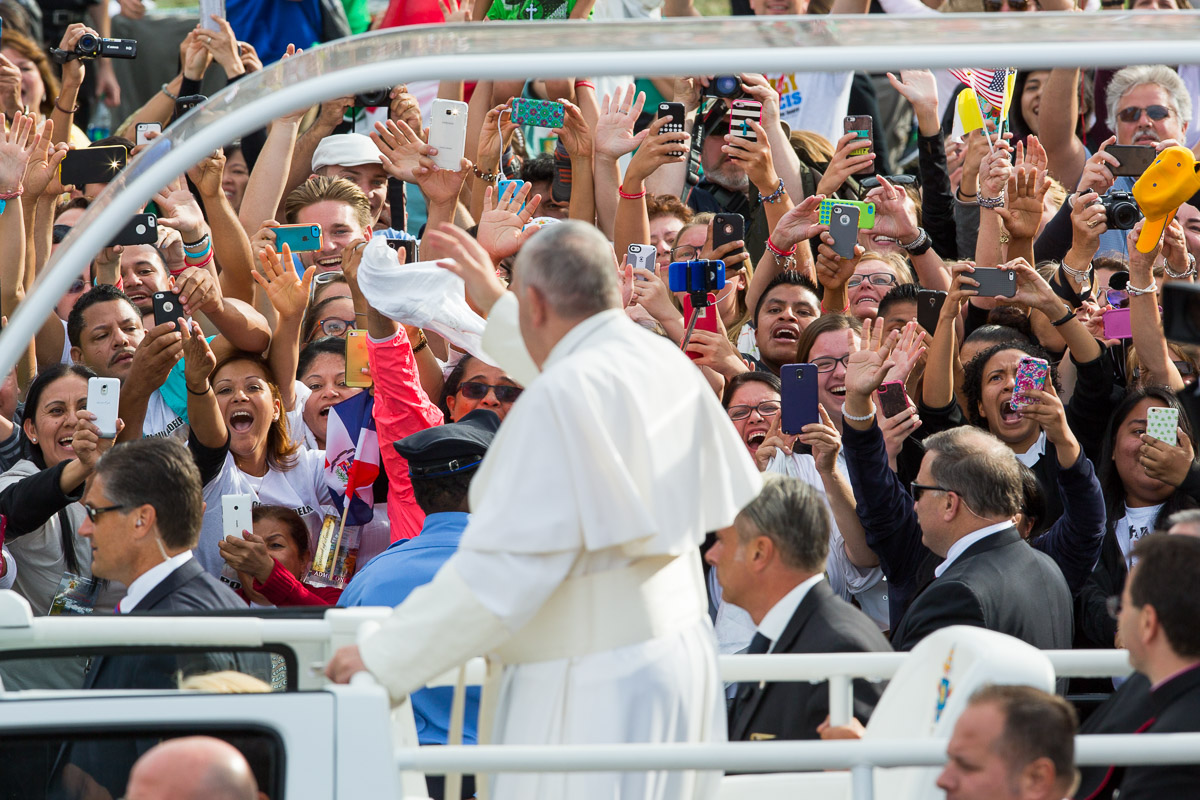Pilgrims greet Pope Francis outside Independence Hall in Philadelphia.