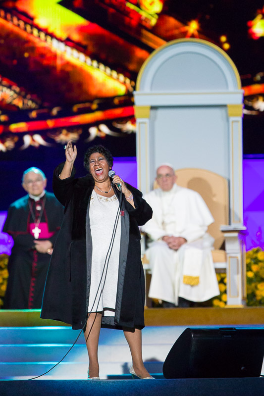 Aretha Franklin performs for Pope Francis at the Festival of Families on the Ben Franklin Parkway in Philadelphia.