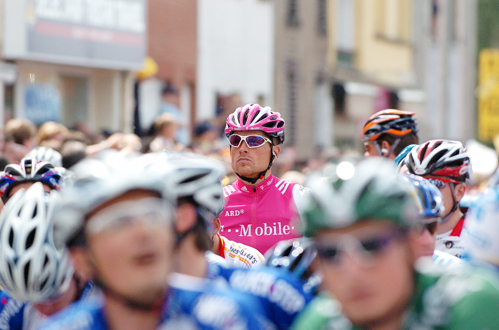 2004 STAGE 3 / WATERLOO - July 6, 2004:  Jan Ullrich waits at the start line in Waterloo, France.