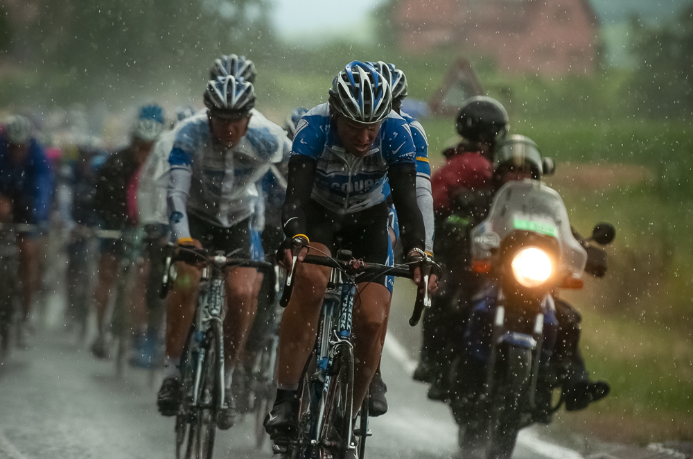 2005 STAGE 7 / Luneville to Karlsruhe: The Discovery team leads the race through the heavy July downpour, enroute   to Karlsruhe on July 10, 2005.