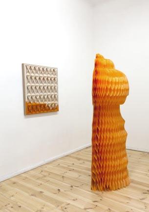 Canvas thread and dye85 cm. x 90 cm. x 7cm