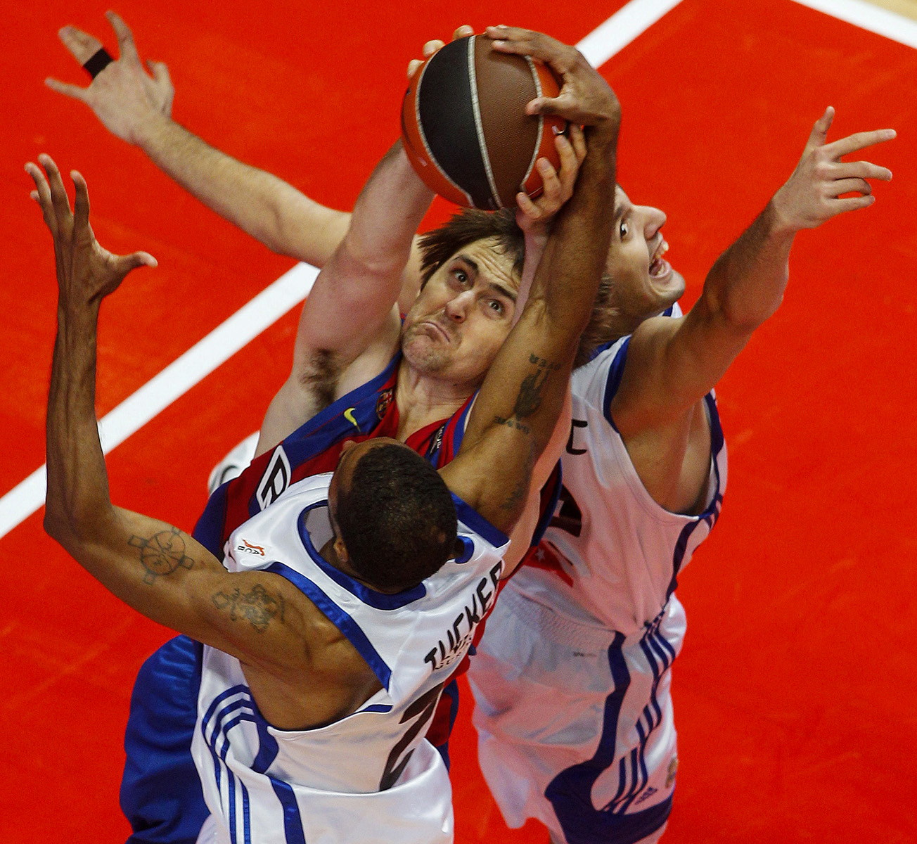 FINAL COPA DEL REY DE BALONCESTOREAL MADRID - BARCELONA© ALBERTO R ROLDAN13 02 2011
