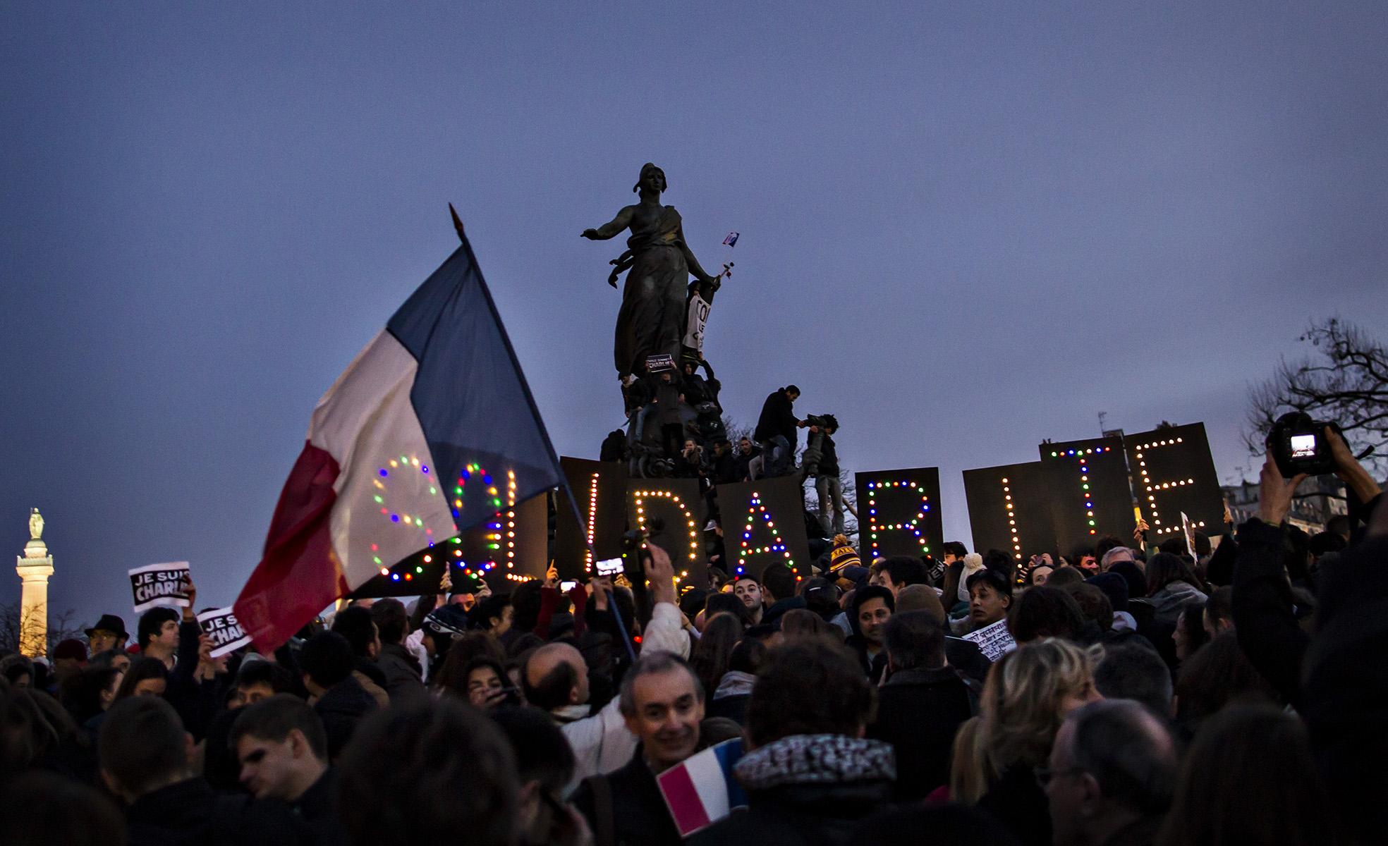 Manifestacion Antiterrorista por los atentados  de la masacre del Semanario Satírico  {quote}Charlie Hebdo{quote} en la ciudad de Paris© Alberto R. Roldan /  La Razon 11 01 2015