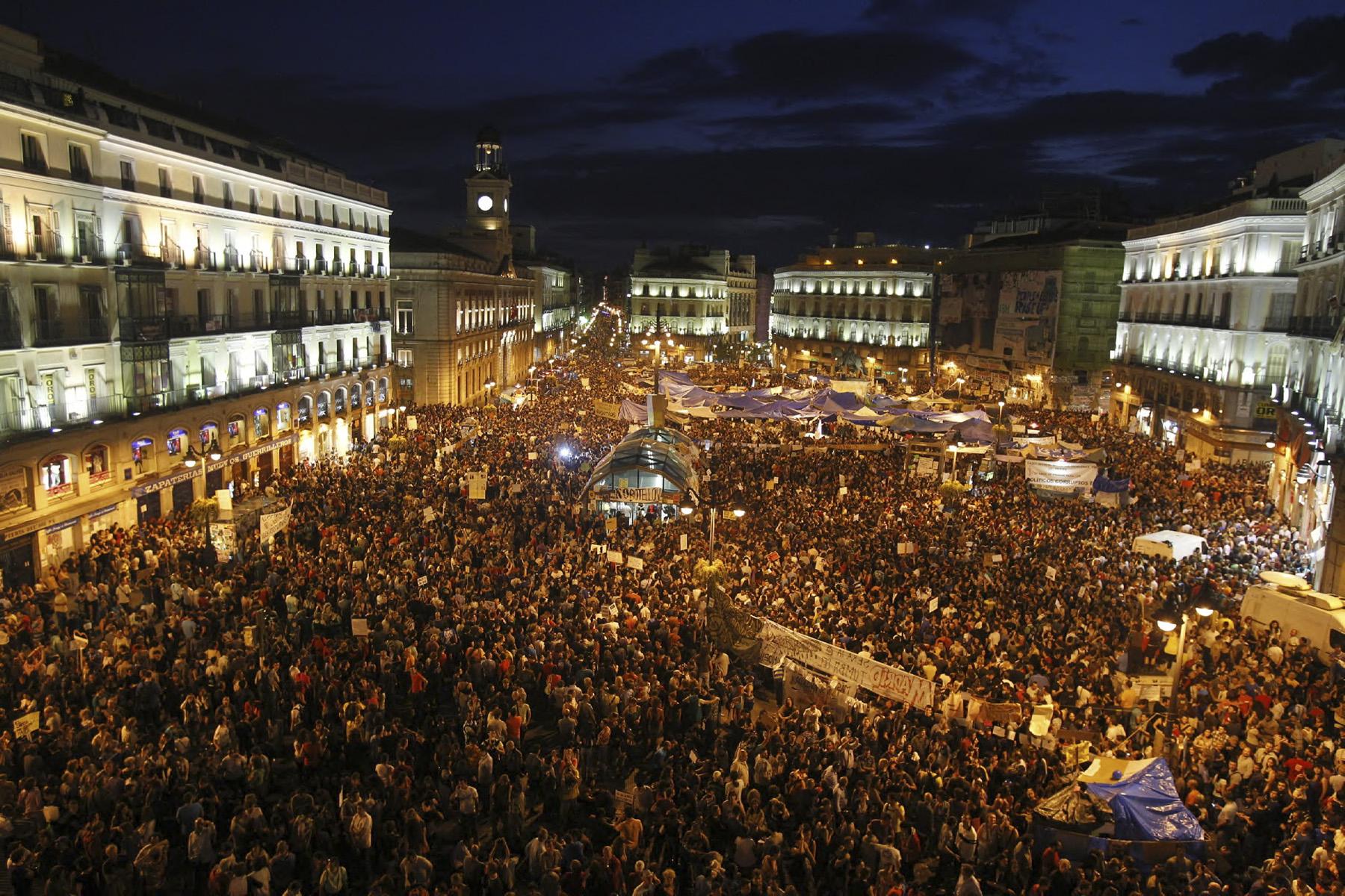 CONCENTRACION PROTESTA EN  LA PUERTA DEL SOL@ ALBERTO R ROLDAN21 05 2011