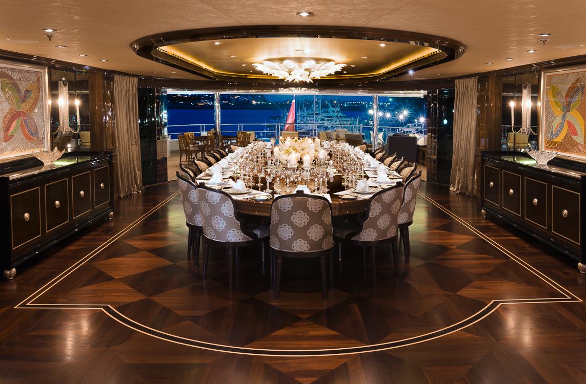 Owner's deck dining room