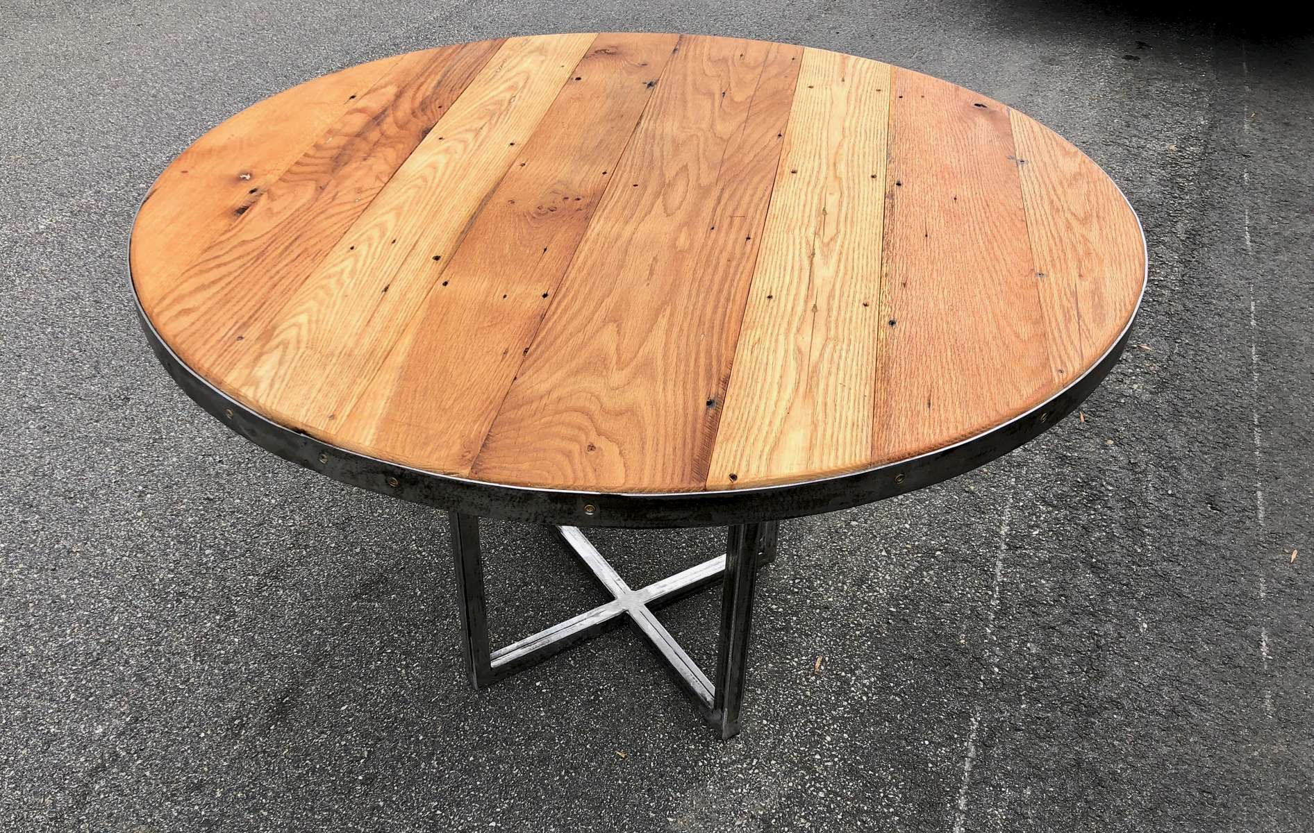Rount-table-Oak-Chestnut-3