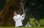 web_golfer_sand_001