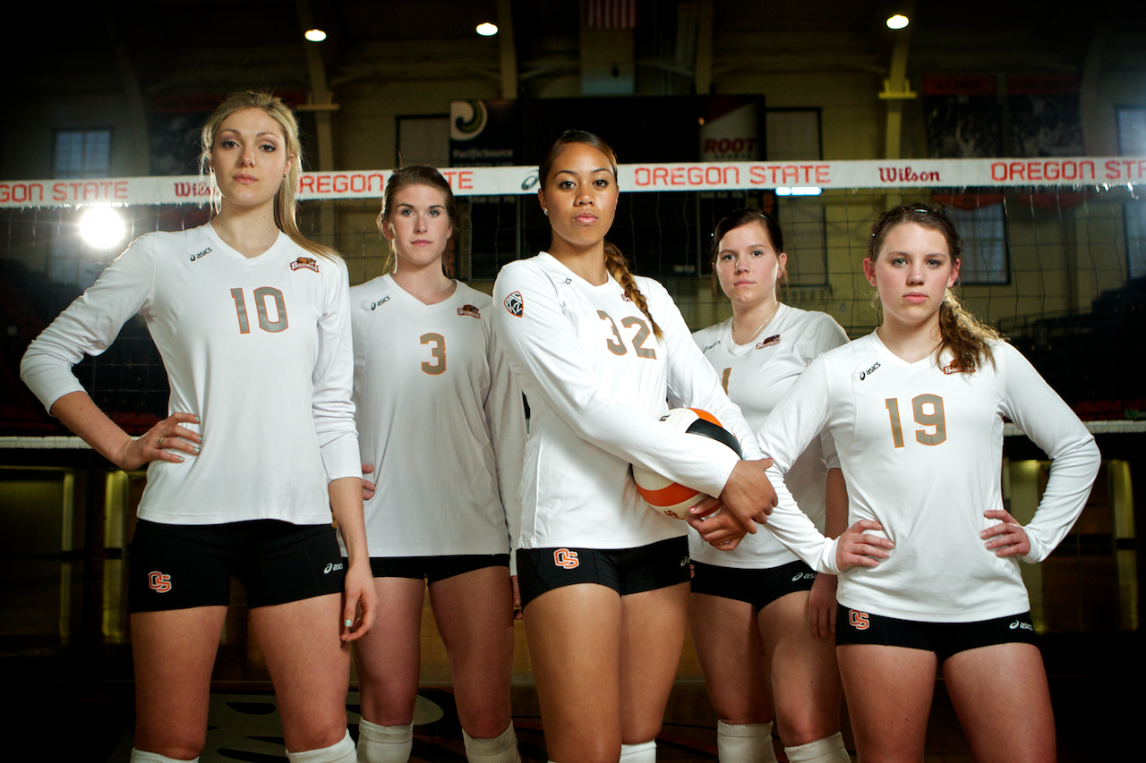 web_volleyball_team_portrait_001