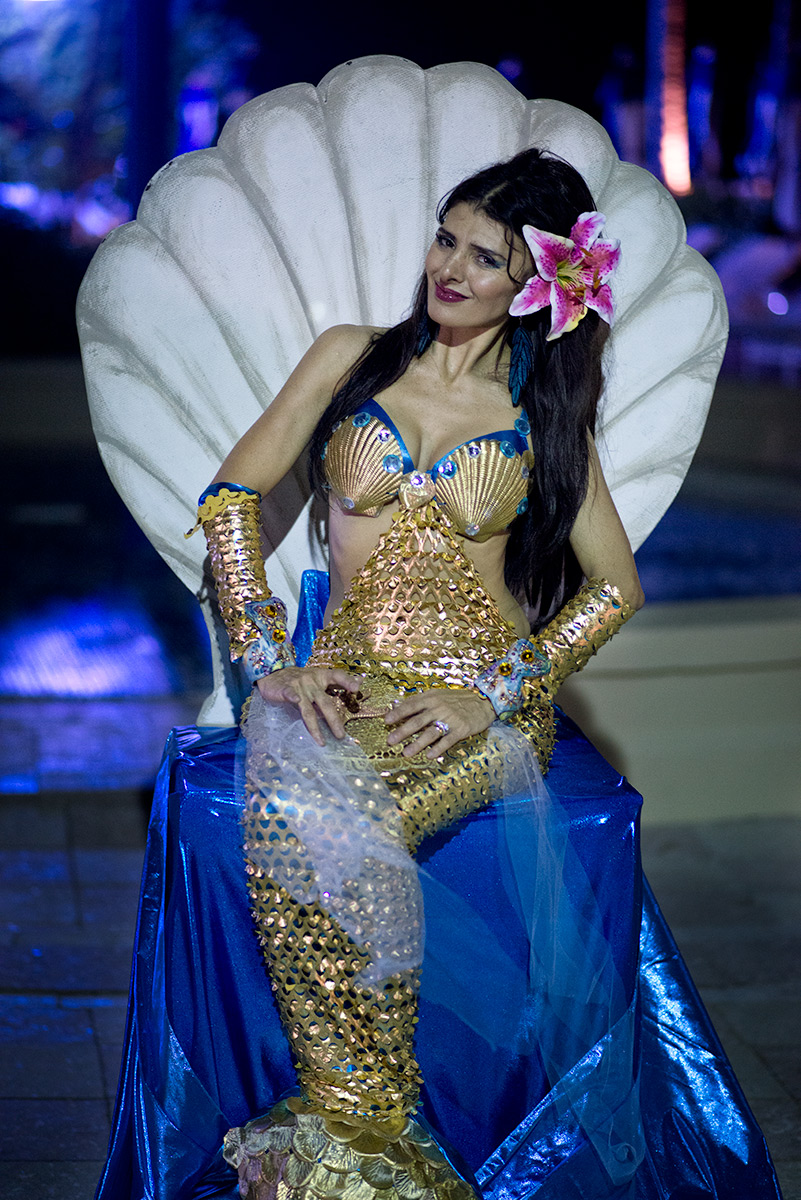 Mermaid Living Statue
