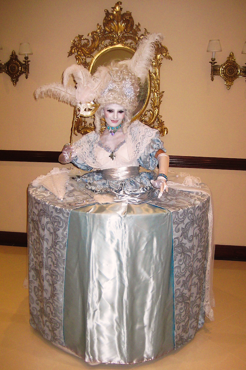 Baby Blue Marie Antoinette Living Table