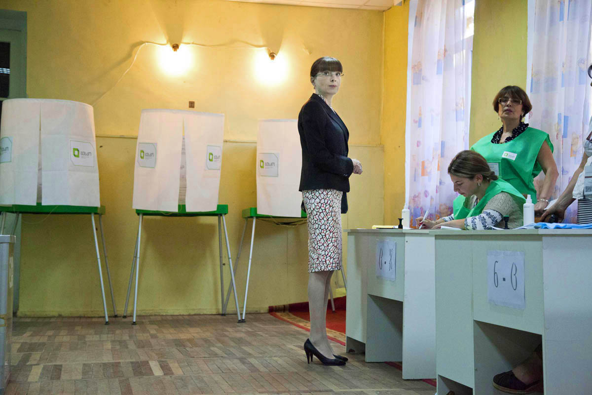 Eka Khvedelidze, wife of Bidzina Ivanishvili, the leader of an opposition coalition Georgian Dream, votes. Georgian parliamentary election, 2012. Polling station.