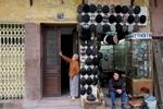 Street Vendor, Le Duan