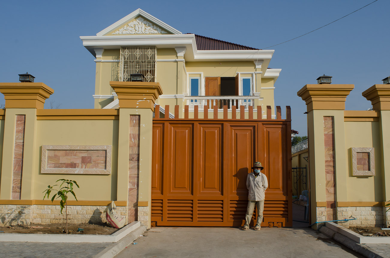 Individual housing development project on the outskirts of Phnom Penh. December 2011
