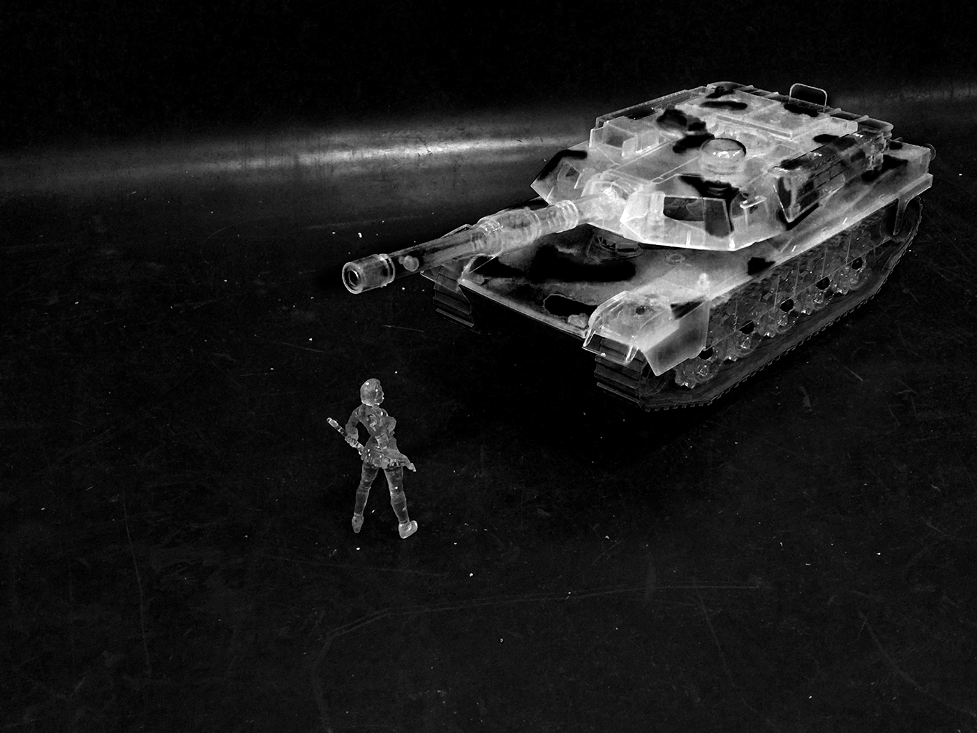 Tienamen_Square_Tank_Cropweb