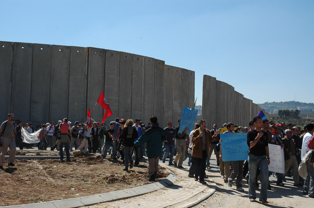 March to the site of the Wall