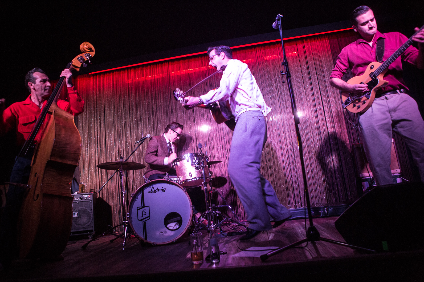 A band is playing at the Orange Peel club in the Kaiserstraße in the Bahnhofsviertel district