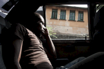 Former child soldier Franics in a taxi in Freetown/Sierra Leone