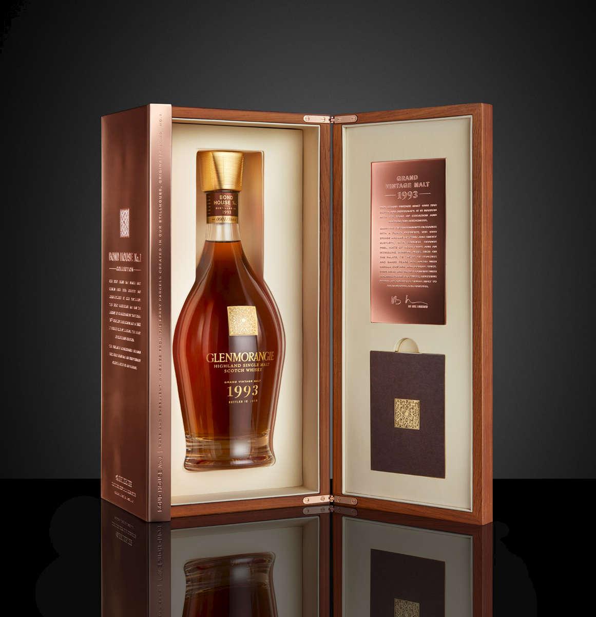 Glenmoangie 1993 whisky bottle in copper gift box