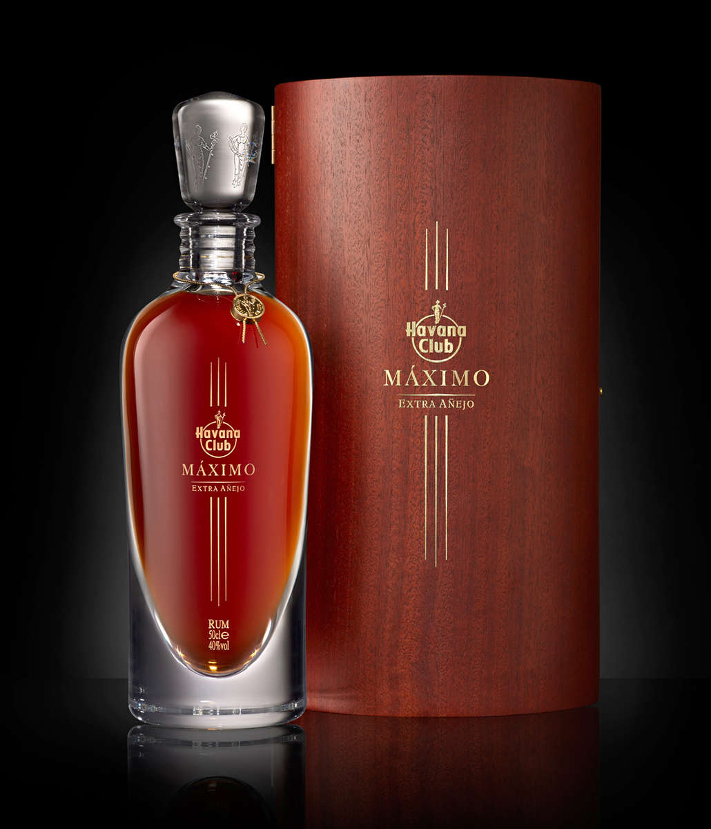 bottle of Havana Club Maximo with case