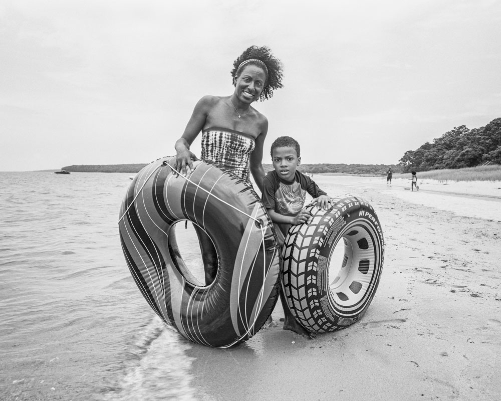 Woman_Child_TireTubes