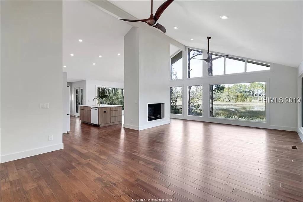 10-Z-After-8-Gull-Point-Living-Room-6