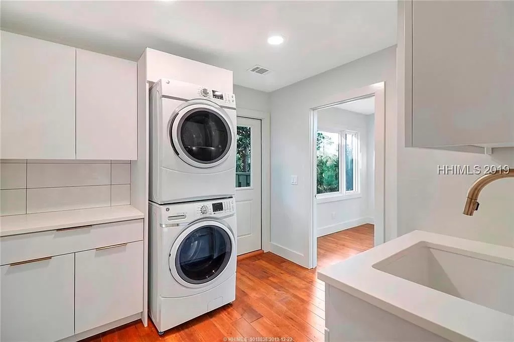 15-Z-After-8-Gull-Point-Laundry
