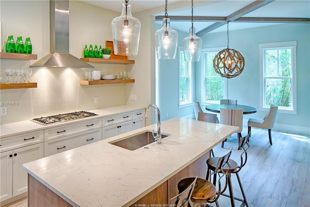 East-Garrison---kitchen-and-breakfast-nook
