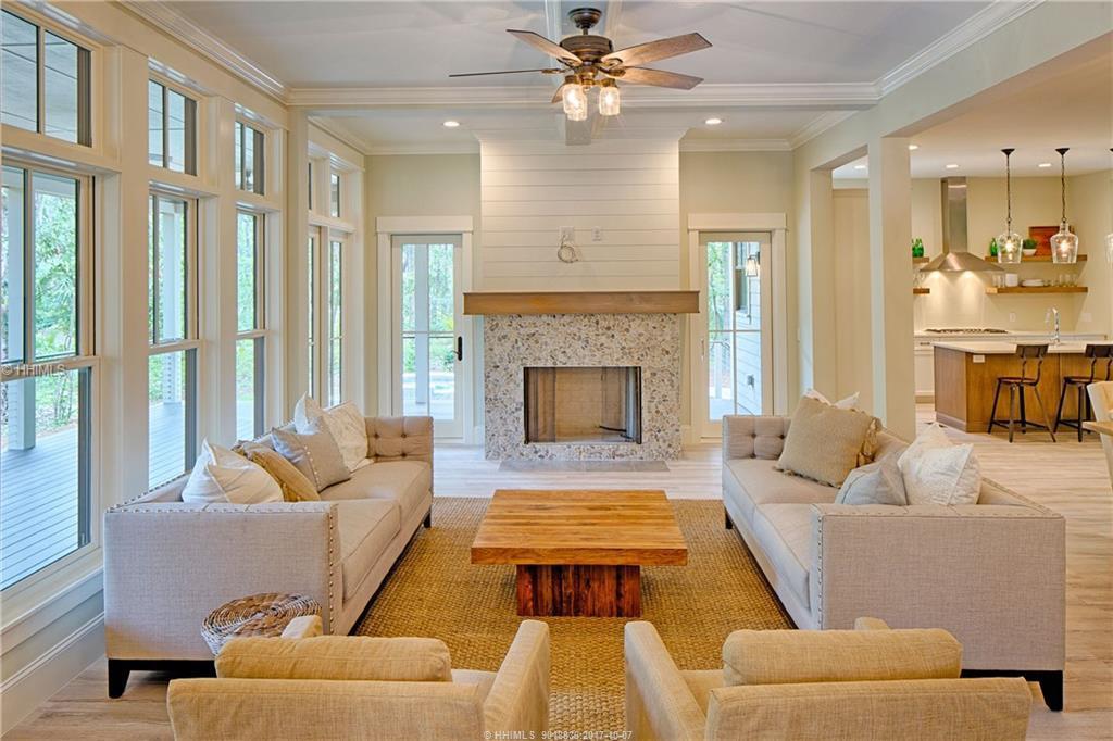 East-Garrison---living-room