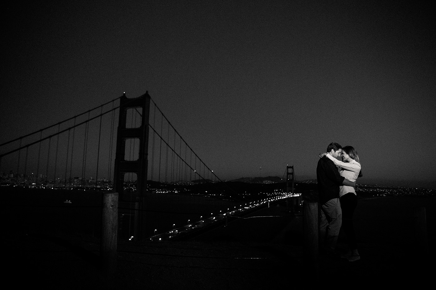 golden gate engagement photo