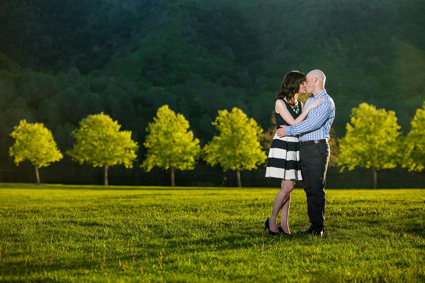 del-valle-park-engagement-photos