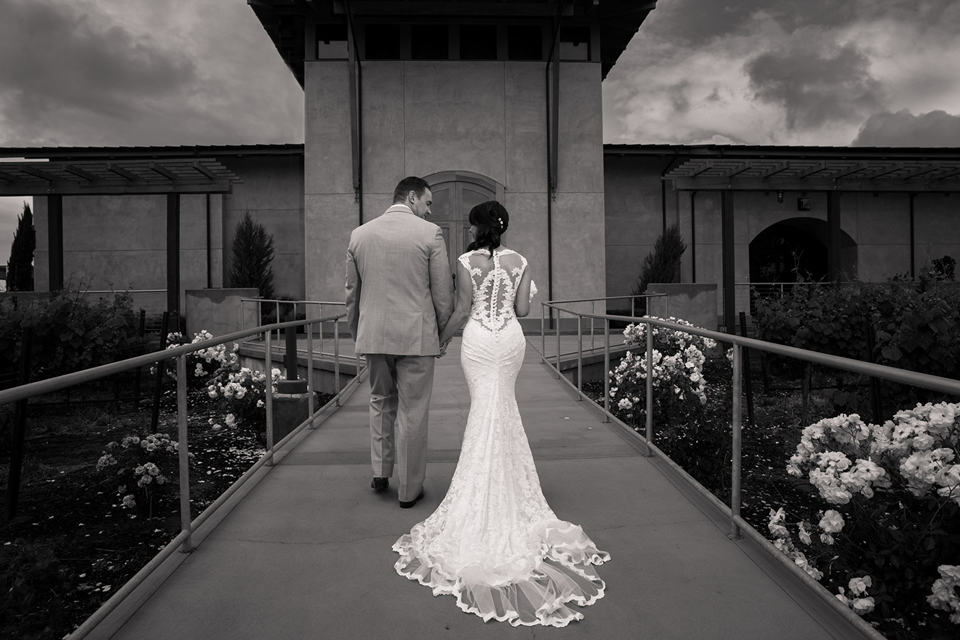 Spectacular views of the historic Livermore Valley Wine Country, old world hospitality and award winning food and wine are just a few of the reasons to choose Garré wedding venue for your special day. Whether your wedding is at the Bella Rosa or the Martinelli Event Center you will have a gorgeous day