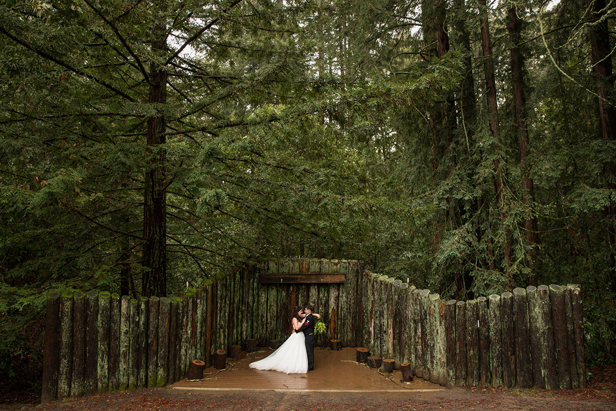 On a rainy day, i photographed this lovely wedding at Mount Madonna Amphitheatre.