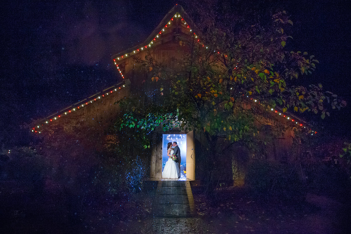 poprtrait of bride and groom at a union hill inn wedding