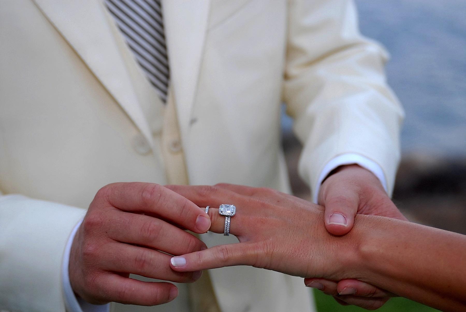 hawaii_wedding_photographer_four_seasons_lanai_wedding030