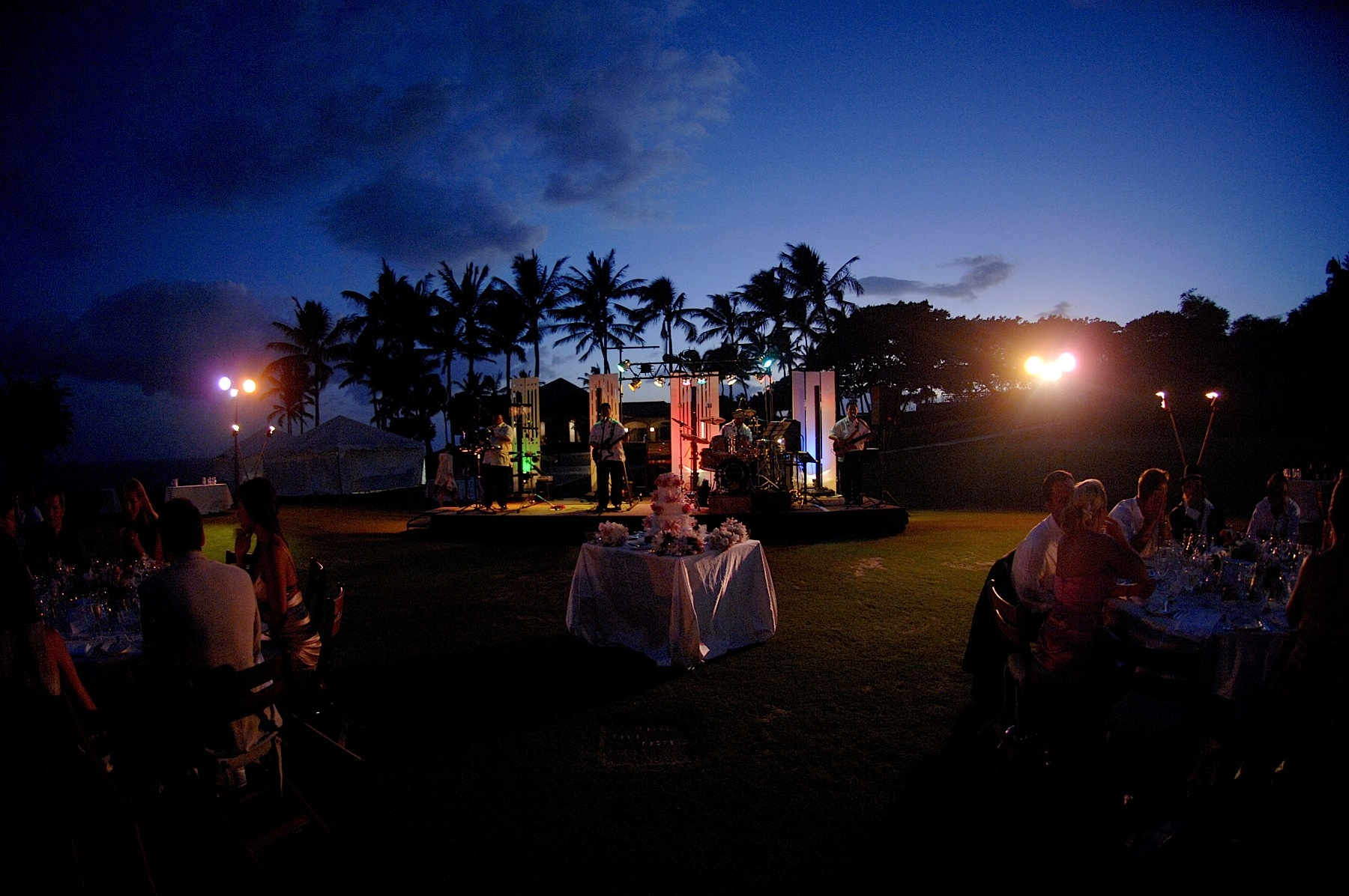 hawaii_wedding_photographer_four_seasons_lanai_wedding065