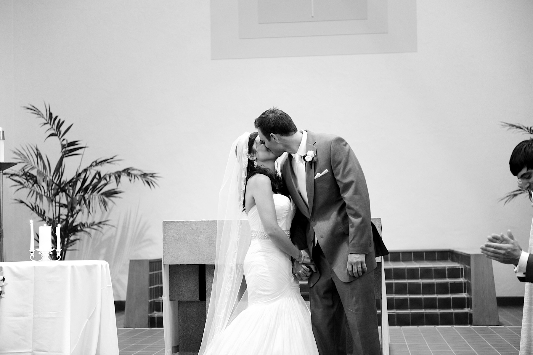 napa_valley_wedding_photographer__villagio_vintage_estate_wedding_039
