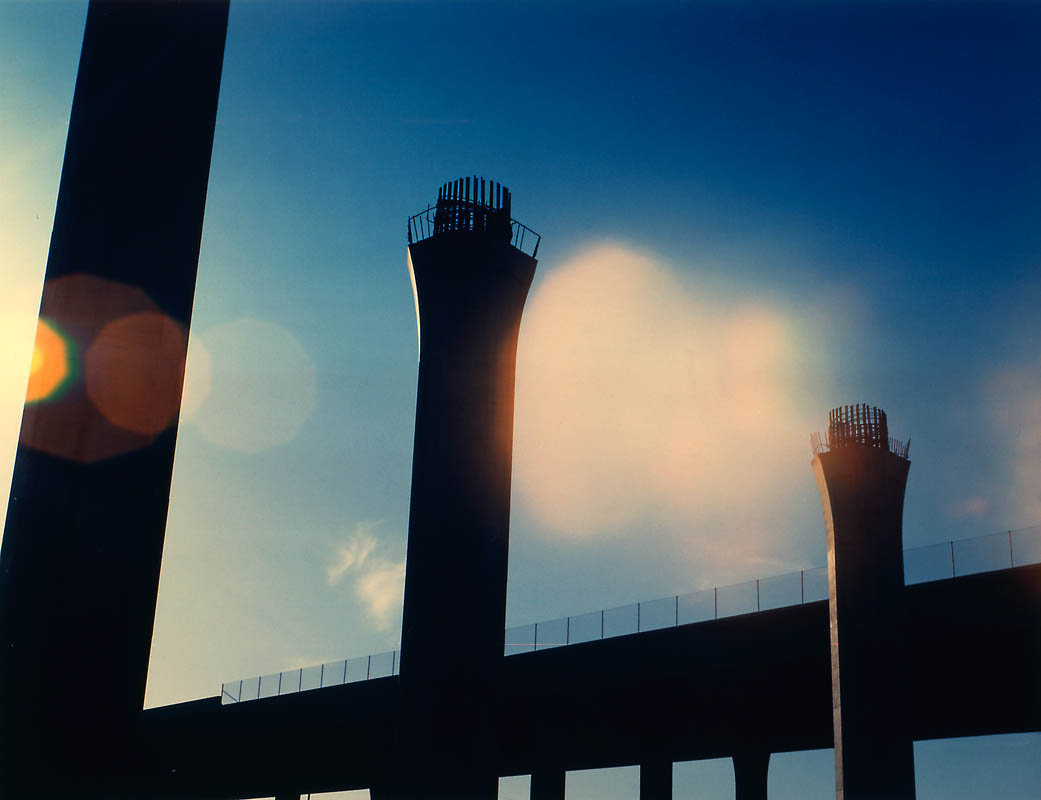 Ruinsphoto © 1989 Anne Turyn