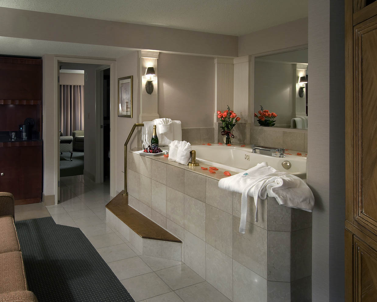 jacuzzi suite tub with champagne