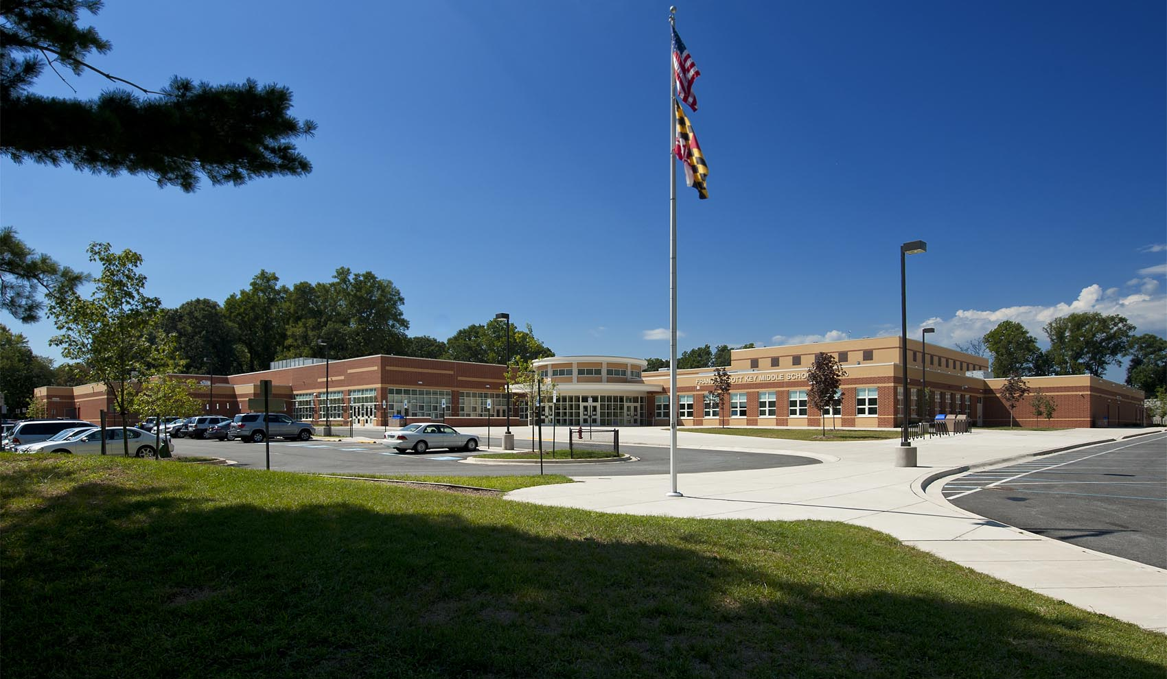 FSK Middle school exterior on sunny day