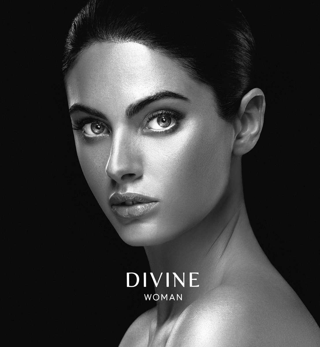 Divine_Product_Box-000