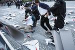 AntigovernmentProtestSlovenia20-photoLukaDakskobler-051