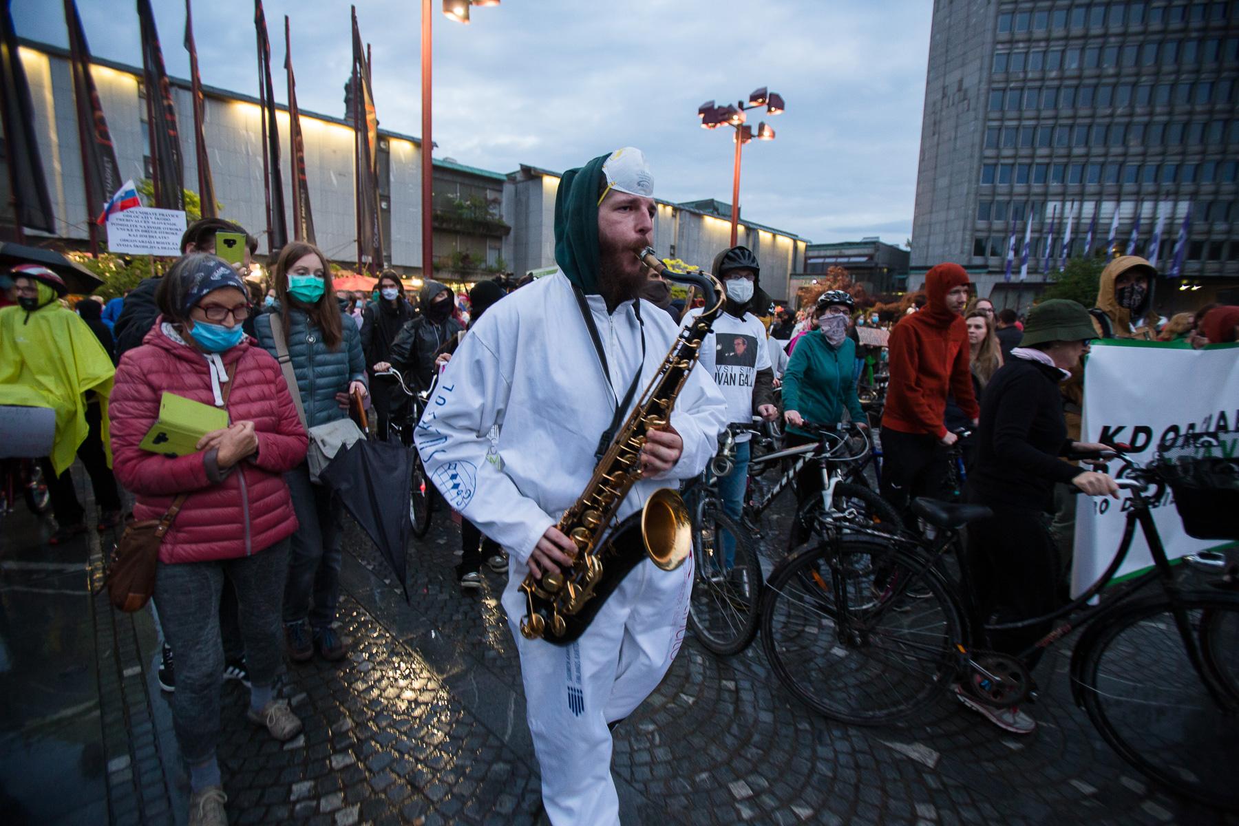 AntigovernmentProtestsSlovenia2020-photoLukaDakskobler-016
