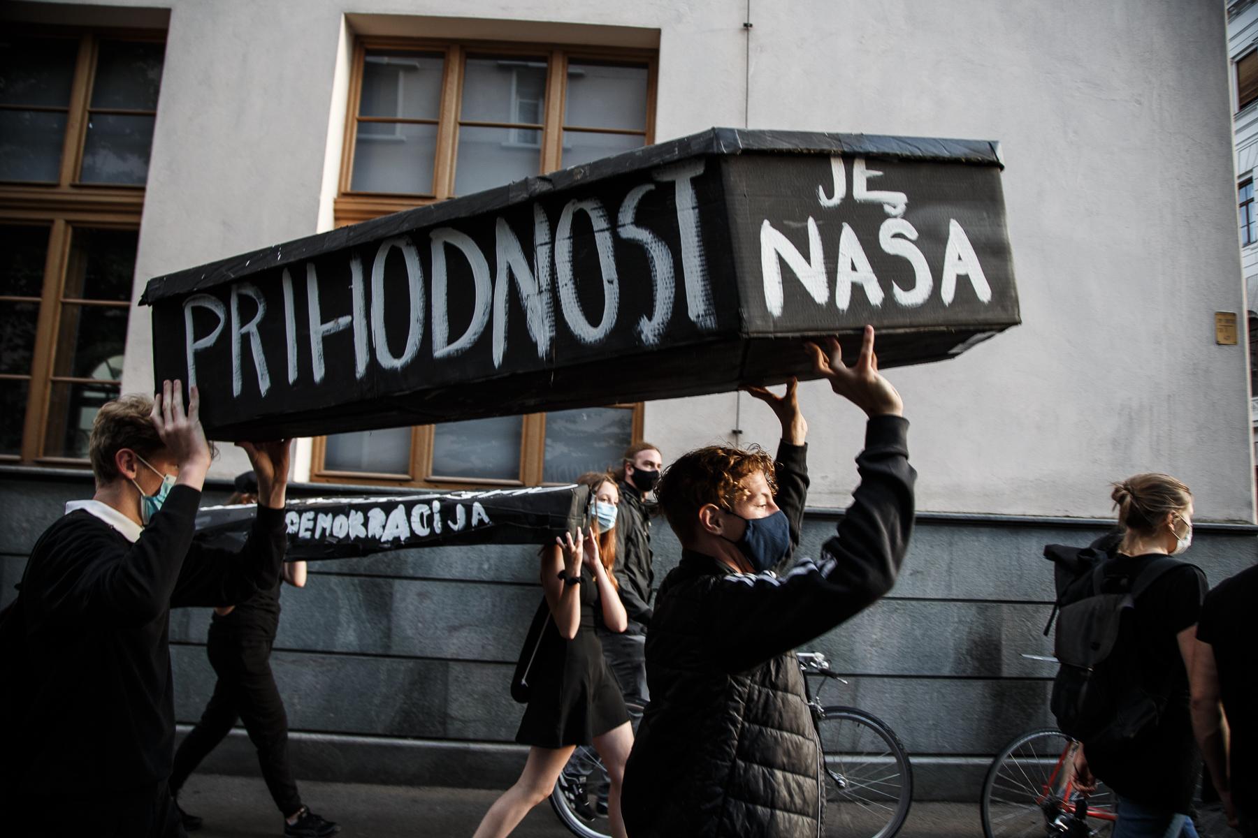 AntigovernmentProtestsSlovenia2020-photoLukaDakskobler-069
