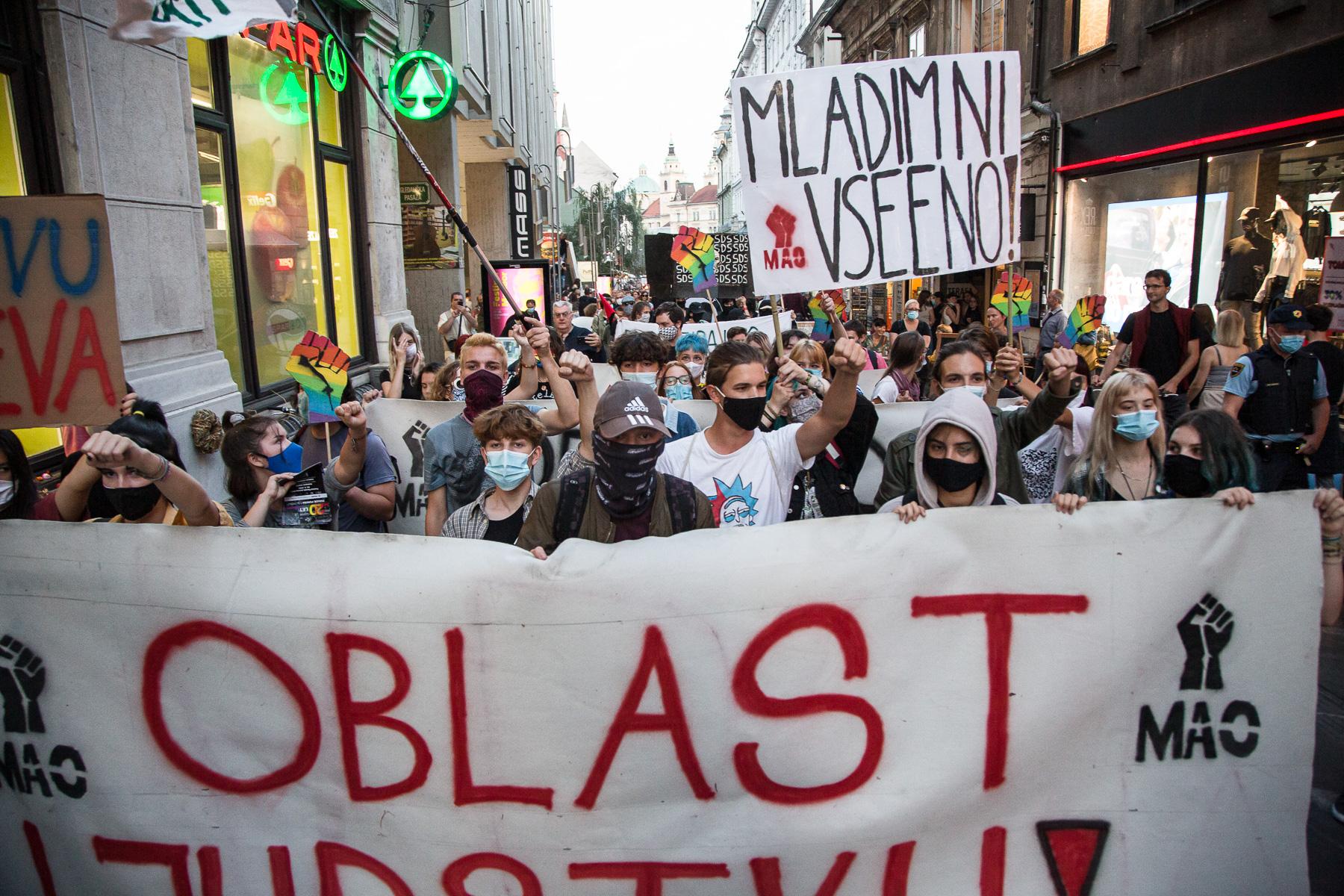AntigovernmentProtestsSlovenia2020-photoLukaDakskobler-080