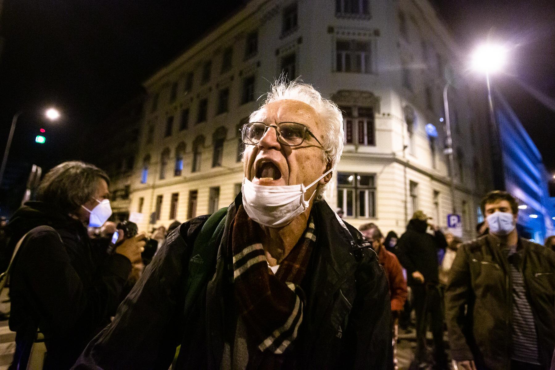 AntigovernmentProtestsSlovenia2020-photoLukaDakskobler-109