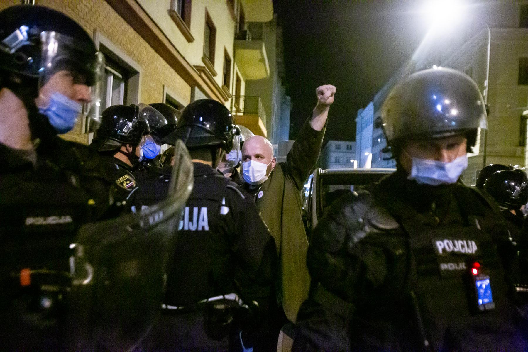 AntigovernmentProtestsSlovenia2020-photoLukaDakskobler-117
