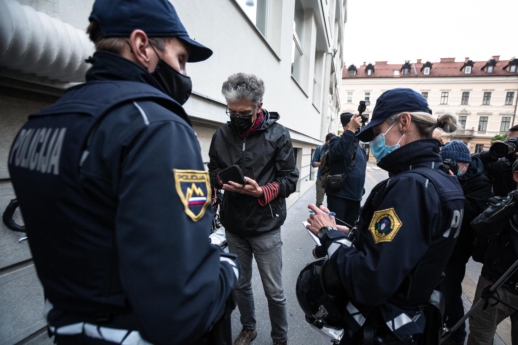 AntigovernmentProtestsSlovenia2020-photoLukaDakskobler-120